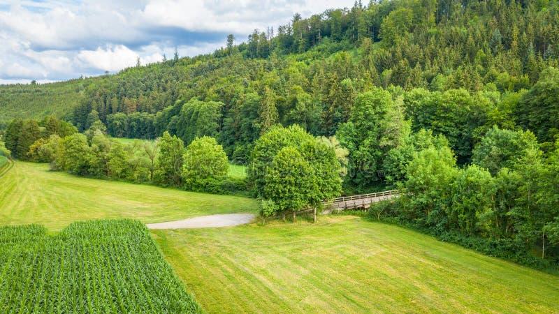 εναέρια εικόνα άποψης του Pfahljochbruecke σε Neckarhausen Γερμανία στοκ εικόνες
