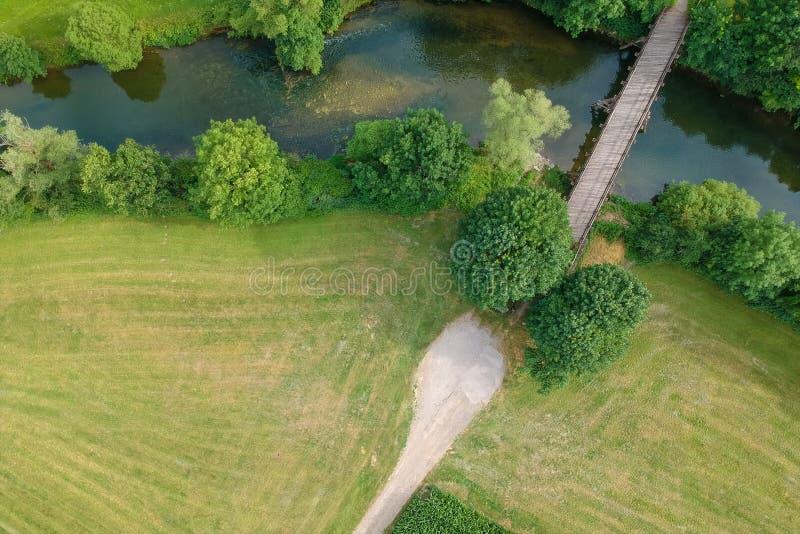 εναέρια εικόνα άποψης του Pfahljochbruecke σε Neckarhausen Γερμανία στοκ εικόνα