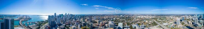 Εναέρια λογότυπα του Μαϊάμι πανοράματος στο κέντρο της πόλης αφαιρούμενα στοκ εικόνες