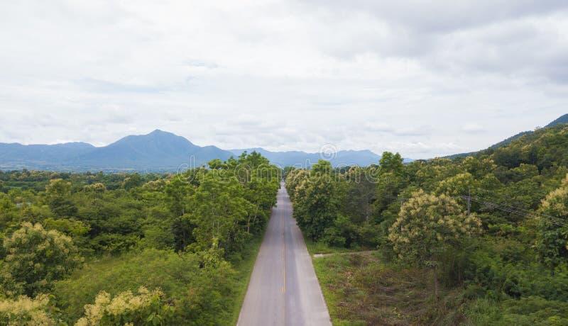 Εναέρια τοπ άποψη τοπ άποψης του δρόμου στοκ φωτογραφίες
