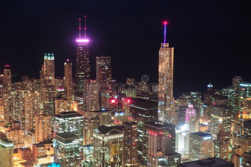 Εναέρια όψη νύχτας του Σικάγου στοκ εικόνες