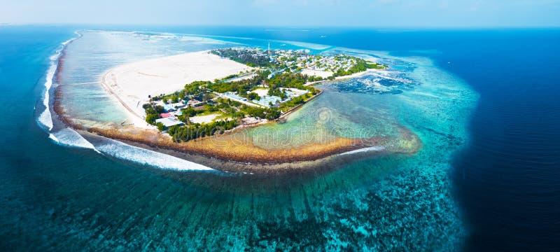 Εναέρια όψη του τροπικού νησιού στοκ εικόνες