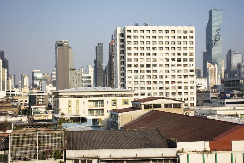 Εναέριες τοπίο άποψης και εικονική παράσταση πόλης της πόλης της Μπανγκόκ από το γενικό ταχυδρομείο στην περιοχή Rak κτυπήματος σ στοκ εικόνες με δικαίωμα ελεύθερης χρήσης