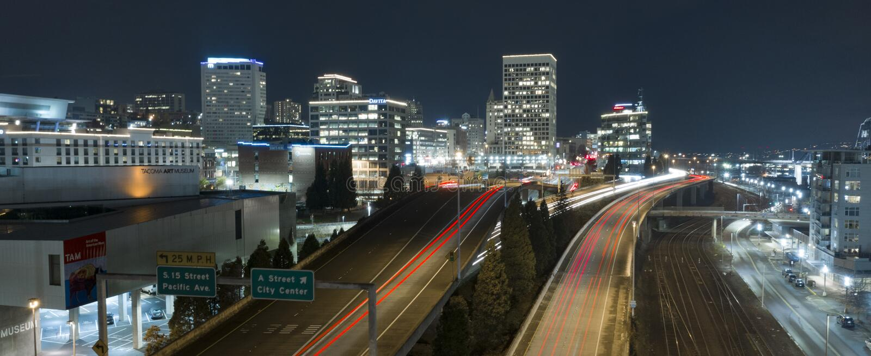 Εναέριος ορίζοντας Τακόμα WA κεντρικών πυρήνων πόλεων άποψης στο κέντρο της πόλης αστικός στοκ φωτογραφία