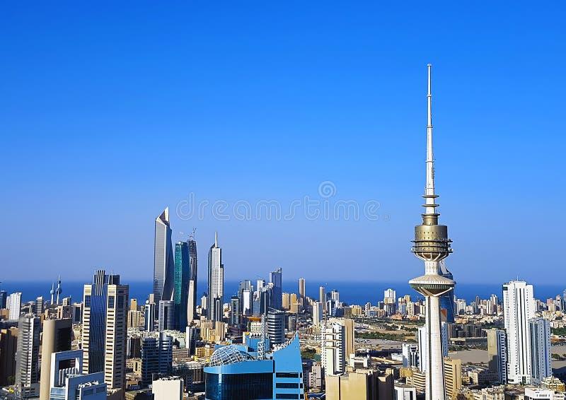 Εναέριος πυροβολισμός οριζόντων πόλεων του Κουβέιτ στοκ εικόνες