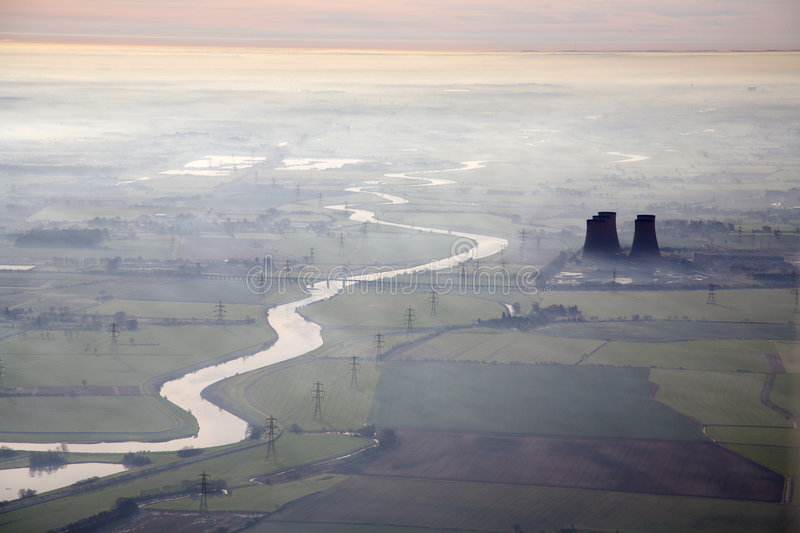 εναέριος misty ποταμός πρωινο στοκ φωτογραφίες με δικαίωμα ελεύθερης χρήσης