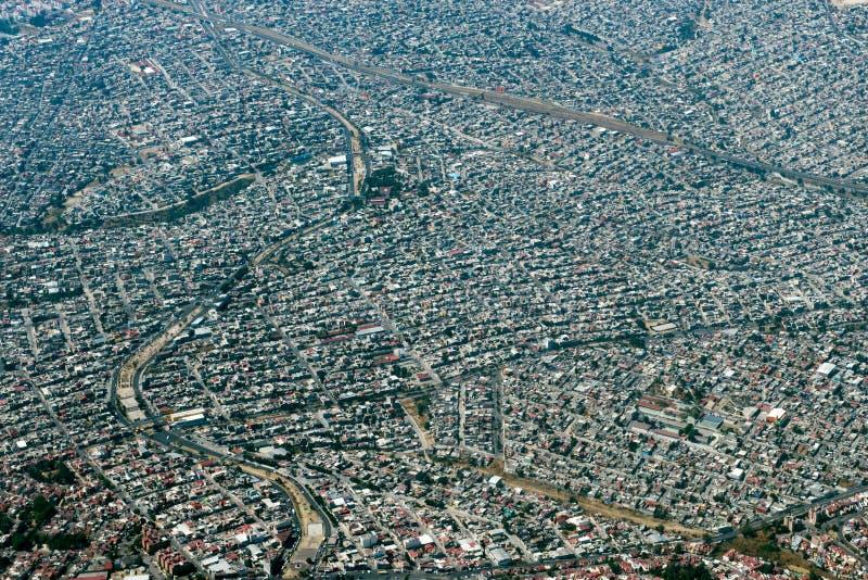 Εναέριο πανόραμα εικονικής παράστασης πόλης άποψης της Πόλης του Μεξικού στοκ εικόνες