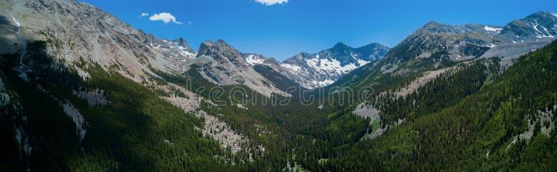 Εναέριο πανόραμα κηφήνων - δύσκολα βουνά του Κολοράντο, Sangre de Cristo Range στοκ εικόνες