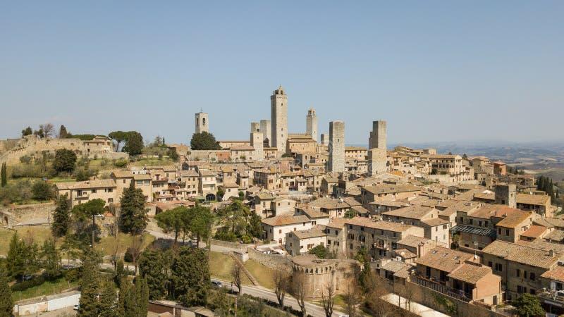Εναέριο τοπίο κηφήνων του θαυμάσιου χωριού του SAN Gimignano Μια παγκόσμια κληρονομιά της ΟΥΝΕΣΚΟ Ιταλία Τοσκάνη στοκ φωτογραφίες με δικαίωμα ελεύθερης χρήσης