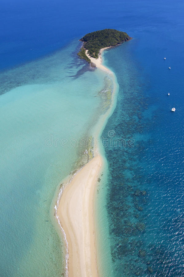 Εναέριο τοπίο του τροπικού νησιού στοκ εικόνες με δικαίωμα ελεύθερης χρήσης