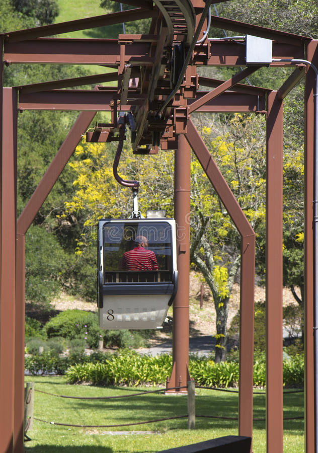 Εναέριο τραμ στους εξαιρετικούς αμπελώνες στην κοιλάδα Napa στοκ φωτογραφία με δικαίωμα ελεύθερης χρήσης
