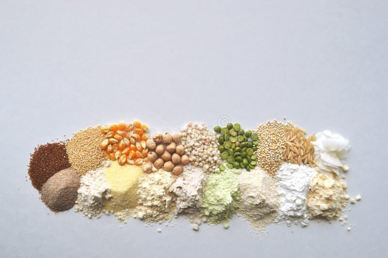 Εναλλακτικά γλουτένη-ελεύθερα αλεύρι, σιτάρια και όσπρια - teff, αμάραντος, καλαμπόκι, chickpeas, σόργο, πράσινα μπιζέλια, quinoa στοκ φωτογραφία με δικαίωμα ελεύθερης χρήσης