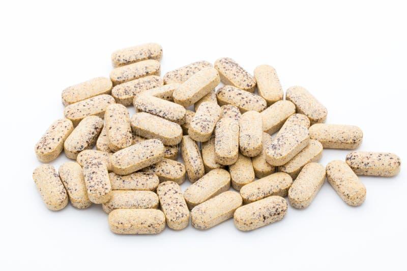 εναλλακτικός δίσκος biloba λουτρών μπαμπού ginkgo items medicine spa Κάψες βιταμινών Ομοιοπαθητικό συμπλήρωμα στοκ εικόνα