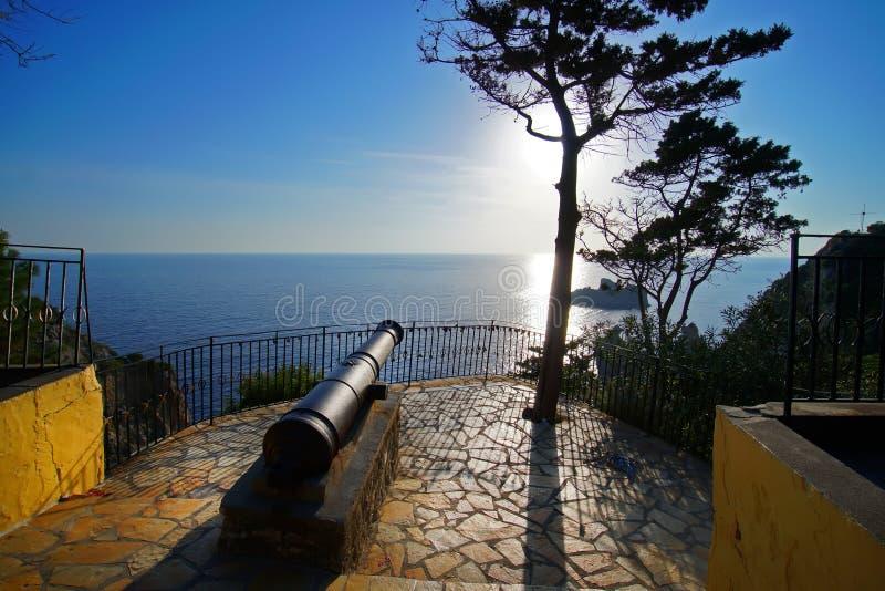 Ενδιαφέρουσα λεπτομέρεια ενός ενετικού πυροβόλου που υπερασπίζει το μοναστήρι της Virgin Mary σε Paleokastritsa, Ελλάδα στοκ εικόνες