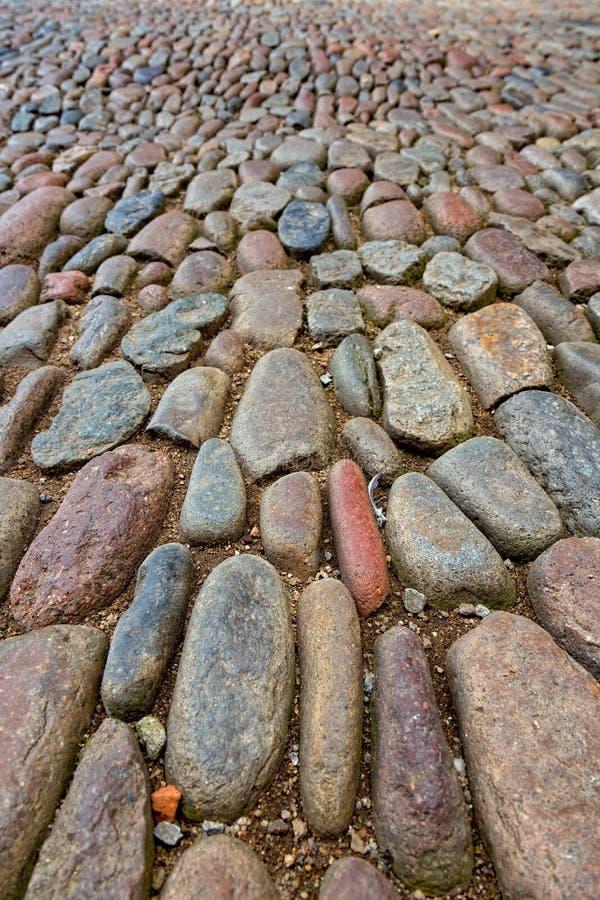 Ενδιαφέρουσα λεπτομέρεια οδών με τις πέτρες χαλικιών στοκ φωτογραφία με δικαίωμα ελεύθερης χρήσης
