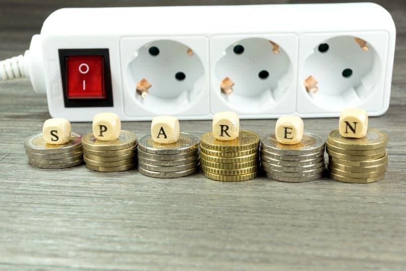 Ενεργειακά κόστη και μετρητά στοκ φωτογραφίες