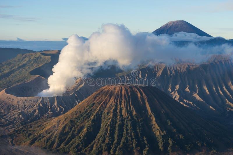 Ενεργό βουνό ηφαιστείων Bromo ένα πρωί, ανατολική Ιάβα, Ινδονησία στοκ εικόνες