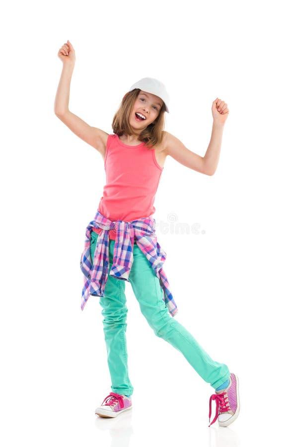 Ενθαρρυντικό κορίτσι στο καπέλο του μπέιζμπολ στοκ φωτογραφίες με δικαίωμα ελεύθερης χρήσης