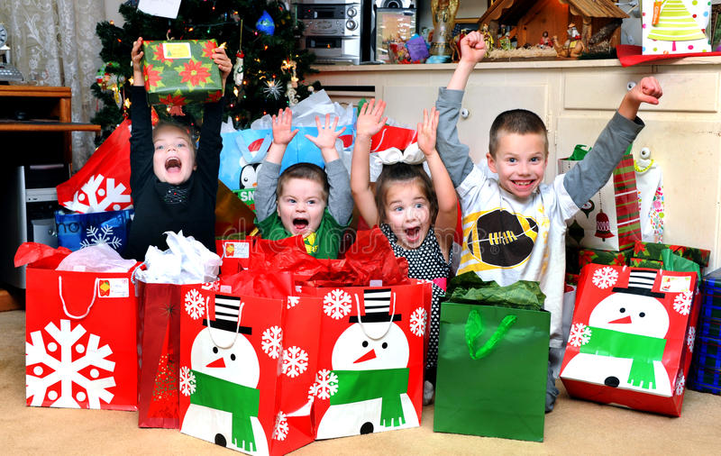 Ενθουσιασμός πρωινού Χριστουγέννων στοκ φωτογραφία με δικαίωμα ελεύθερης χρήσης