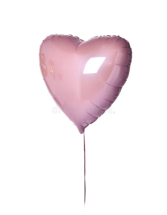 Ενιαίο μεγάλο πορφυρό ρόδινο αντικείμενο μπαλονιών καρδιών για τη γιορτή γενεθλίων που απομονώνεται σε ένα λευκό στοκ εικόνα με δικαίωμα ελεύθερης χρήσης