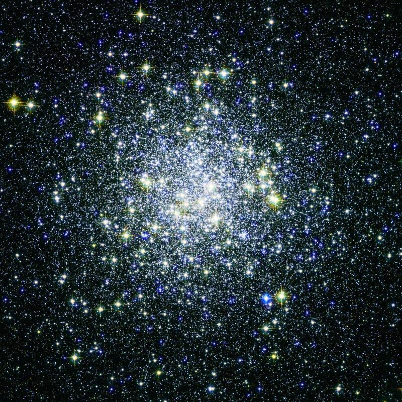 Ενισχυμένα στοιχεία εικόνας κόσμου αστεριών συστάδα από τη NASA/ESO | Fractal ταπετσαρία υποβάθρου τέχνης στοκ εικόνα με δικαίωμα ελεύθερης χρήσης