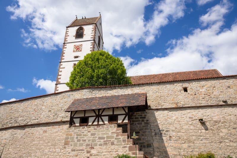 Ενισχυμένη εκκλησία στη νότια Γερμανία Bergfelden στοκ φωτογραφία με δικαίωμα ελεύθερης χρήσης