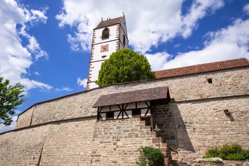 Ενισχυμένη εκκλησία στη νότια Γερμανία Bergfelden στοκ εικόνες με δικαίωμα ελεύθερης χρήσης