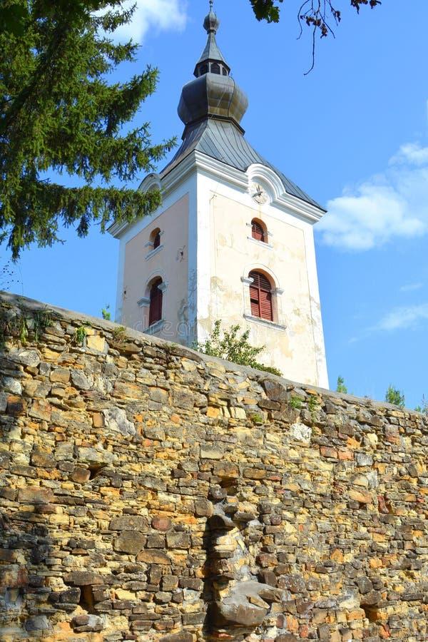 Ενισχυμένη μεσαιωνική σαξονική εβαγγελική εκκλησία στο χωριό TicuÅŸu Vechi, deutsch-Tekes, στοκ φωτογραφία
