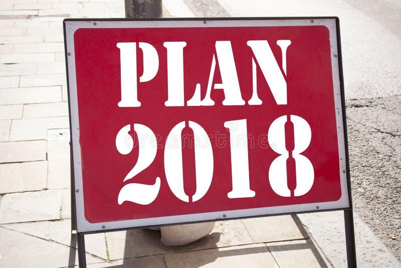 Εννοιολογική έμπνευση τίτλων κειμένων γραψίματος χεριών που παρουσιάζει σχέδιο 2018 Επιχειρησιακή έννοια για το σχέδιο δράσης 201 στοκ φωτογραφία με δικαίωμα ελεύθερης χρήσης