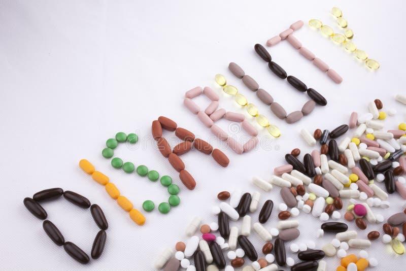 Εννοιολογική έννοια υγείας ιατρικής φροντίδας έμπνευσης τίτλων κειμένων γραψίματος χεριών που γράφεται με τη λέξη καψών φαρμάκων  στοκ εικόνες