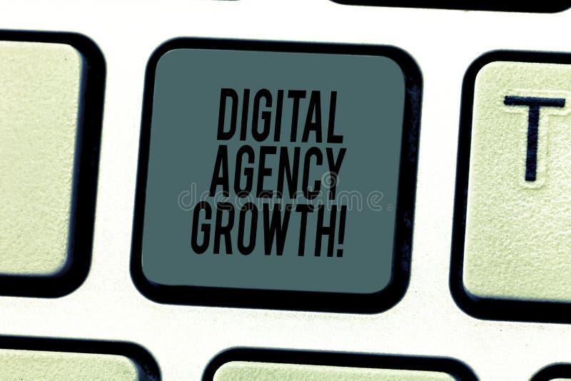 Εννοιολογικό χέρι που γράφει παρουσιάζοντας ψηφιακή αύξηση αντιπροσωπείας Πρόοδος κειμένων επιχειρησιακών φωτογραφιών του γραφικά στοκ φωτογραφίες