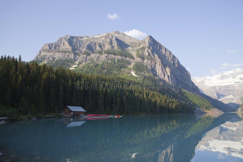 Ενοίκιο κανό στο Lake Louise, Αλμπέρτα στοκ φωτογραφίες με δικαίωμα ελεύθερης χρήσης