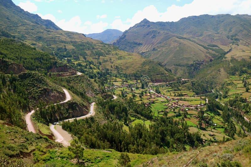 Εντυπωσιακή εναέρια άποψη της ιερής κοιλάδας του Incas όπως βλέπει από την αρχαιολογική περιοχή Pisac, Περού στοκ φωτογραφίες με δικαίωμα ελεύθερης χρήσης