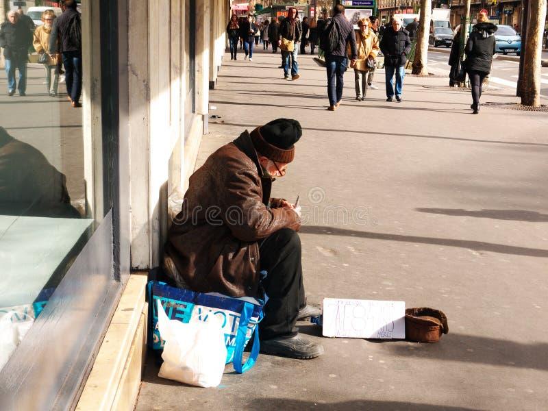 Ενδεής ανώτερη λεωφόρος Haussman Παρίσι προσώπων στοκ εικόνες με δικαίωμα ελεύθερης χρήσης