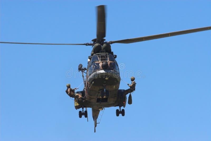 Download εν ενεργεία στρατιώτες στοκ εικόνα. εικόνα από περιποίηση - 1531131