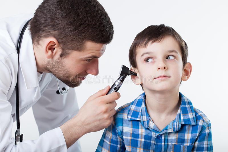 Εξέταση αυτιών στοκ φωτογραφία με δικαίωμα ελεύθερης χρήσης