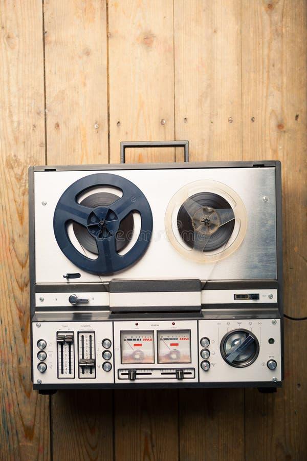 Εξέλικτρο για να τυλίξει το κασετόφωνο και το όργανο καταγραφής στοκ εικόνα με δικαίωμα ελεύθερης χρήσης