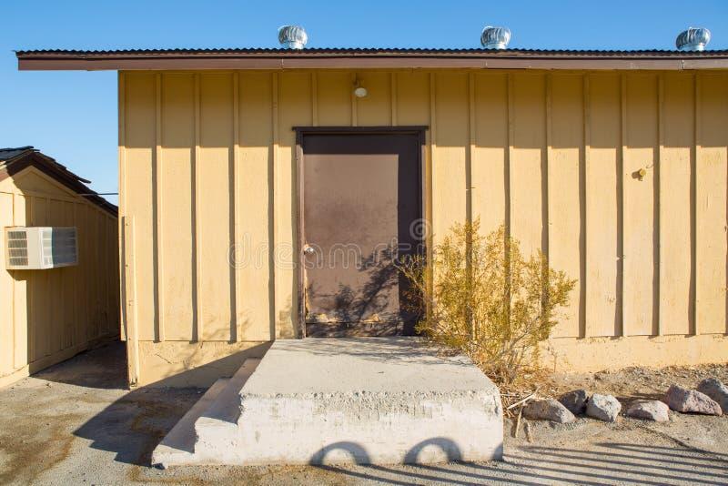 Εξαεριστήρας αέρα στη στέγη του εργοστασίου Φυσικοί εξαεριστήρες ο στεγών στοκ φωτογραφία με δικαίωμα ελεύθερης χρήσης