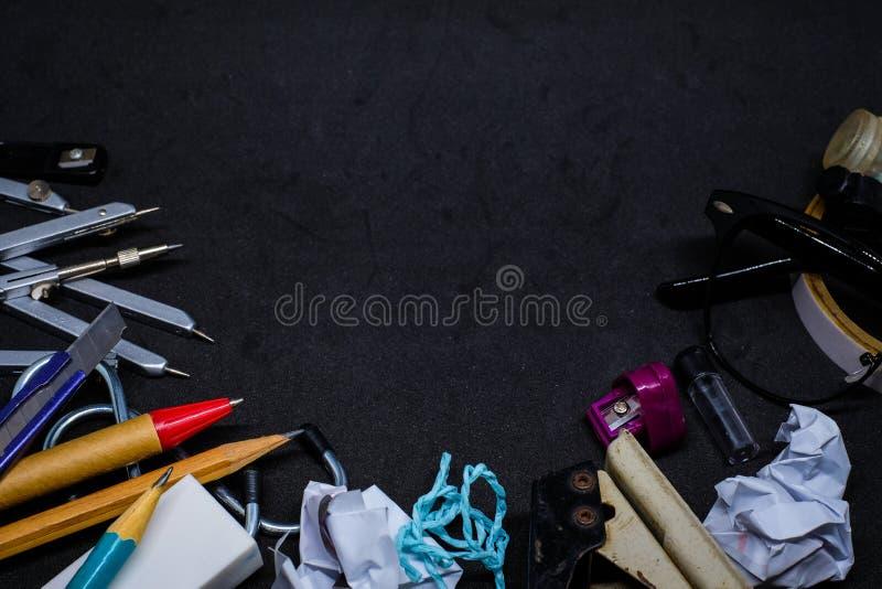 Εξαρτήματα ή εργαλείο χαρτικών για την εκπαίδευση στο σχολείο στοκ εικόνες