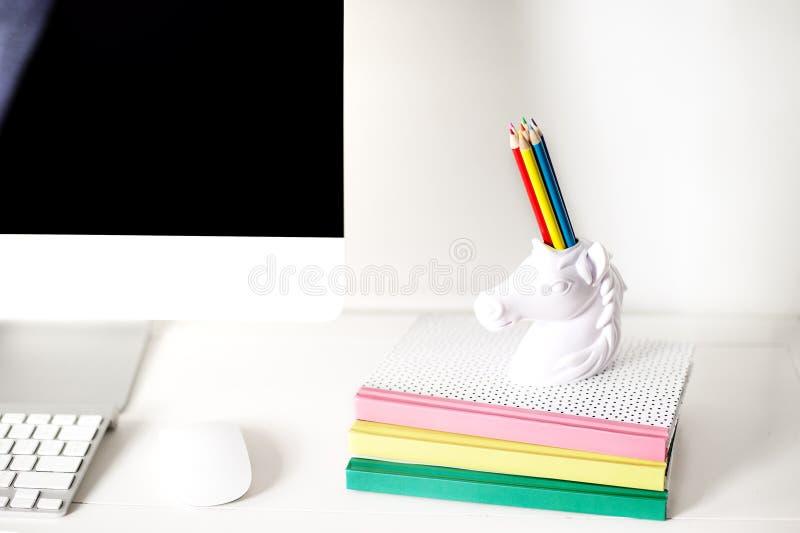 Εξαρτήματα διαστήματος εργασίας γραφείων και σπιτιών στοκ εικόνες με δικαίωμα ελεύθερης χρήσης