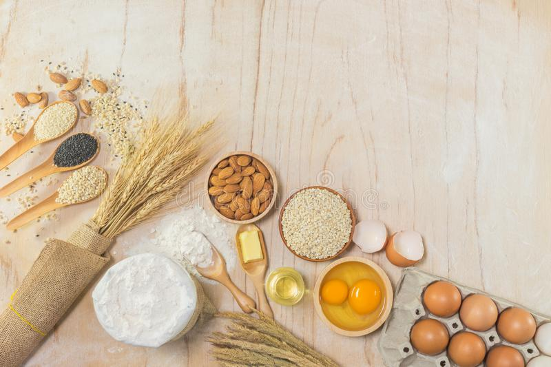 Εξαρτήματα κουζινών και συστατικά ψησίματος στοκ εικόνα με δικαίωμα ελεύθερης χρήσης