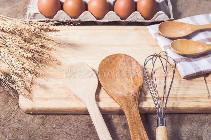 Εξαρτήματα κουζινών και συστατικά ψησίματος στοκ φωτογραφία