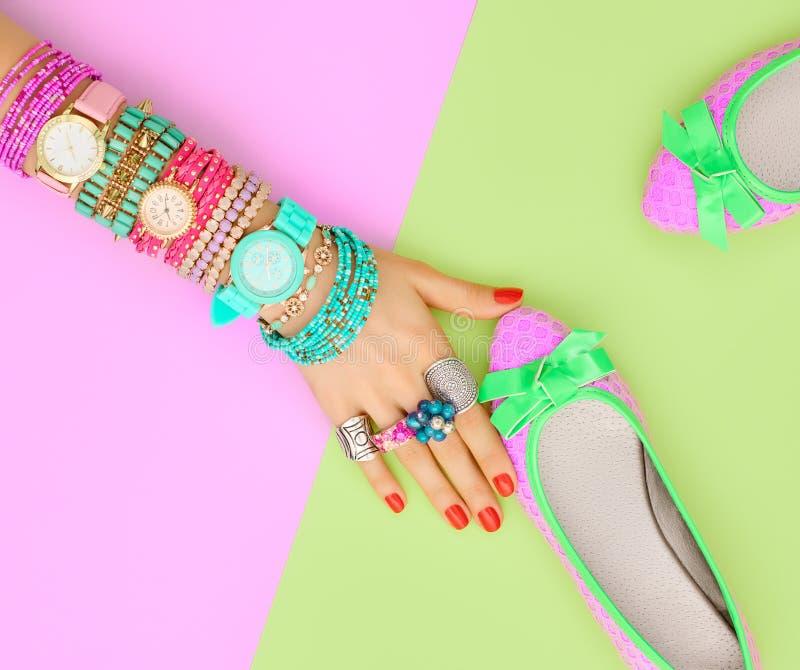 Εξαρτήματα μόδας καθορισμένα εξάρτηση Ελάχιστο ύφος στοκ φωτογραφίες με δικαίωμα ελεύθερης χρήσης