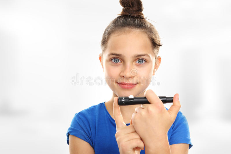 Εξετάστε τη ζάχαρη παιδιών σας στοκ φωτογραφία με δικαίωμα ελεύθερης χρήσης