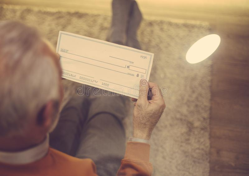 Εξοικονομήστε τα χρήματά σας με έξυπνο τρόπο στοκ φωτογραφία