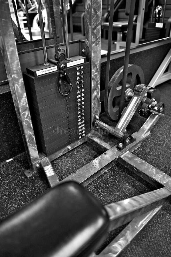 Εξοπλισμός άσκησης γυμναστικής - επιλογέας βάρους στοκ εικόνες