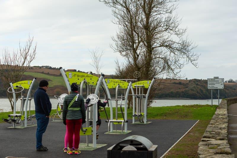 Εξοπλισμός Exersize σε ένα υπαίθριο πάρκο στοκ φωτογραφίες με δικαίωμα ελεύθερης χρήσης