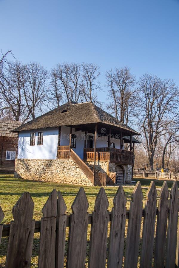 εξοχικό σπίτι αγροτικό στοκ φωτογραφία με δικαίωμα ελεύθερης χρήσης