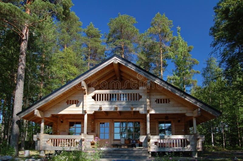 εξοχικό σπίτι ξύλινο στοκ εικόνες με δικαίωμα ελεύθερης χρήσης