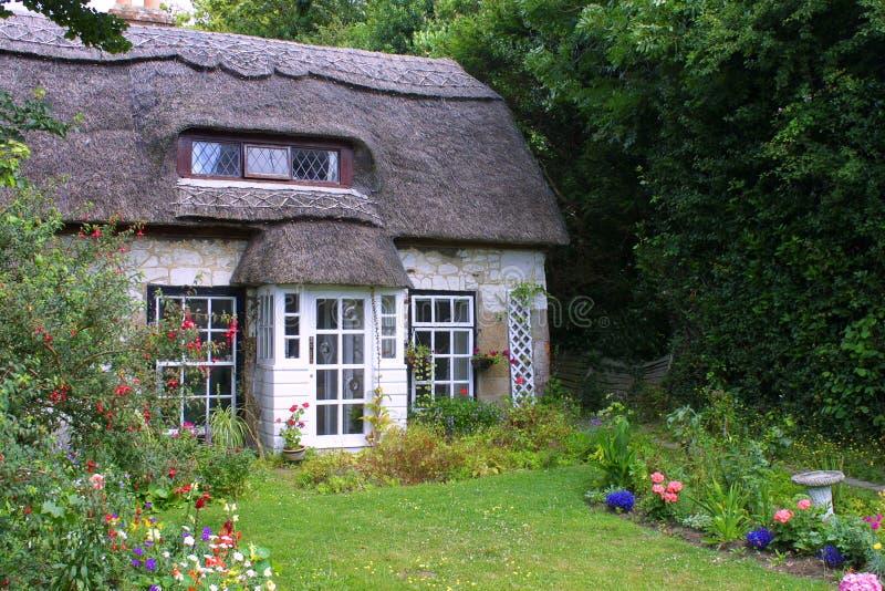 Εξοχικό σπίτι Thatched στοκ εικόνες με δικαίωμα ελεύθερης χρήσης